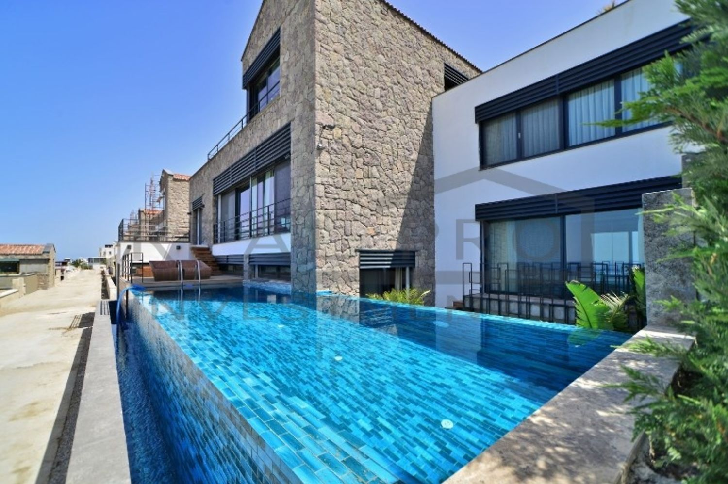 Stylish villas in Bodrum with private infinity pool, sauna, fitness ...